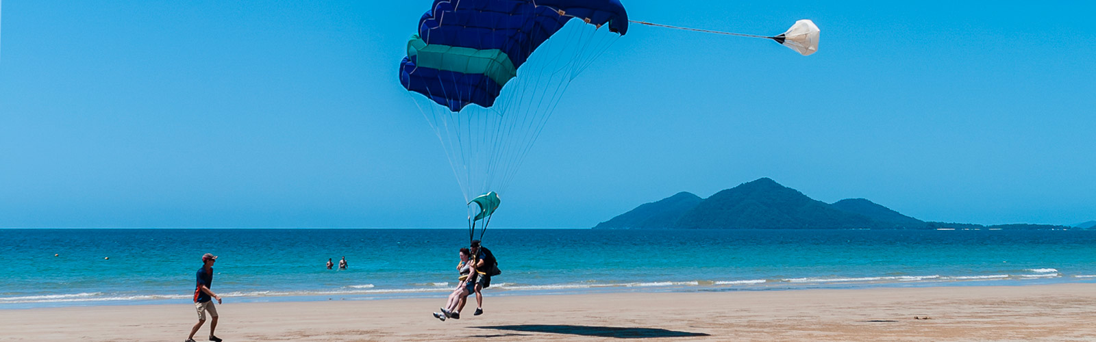 Sky diving at Mission Beach